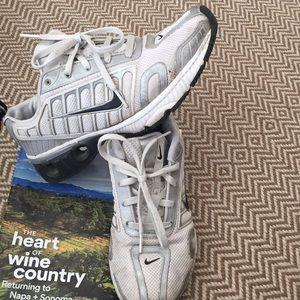 Nike IMPAX tennis shoes